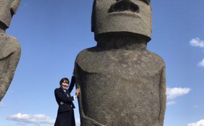 日本でモアイ像発見!触れるとご利益があるらしい!?